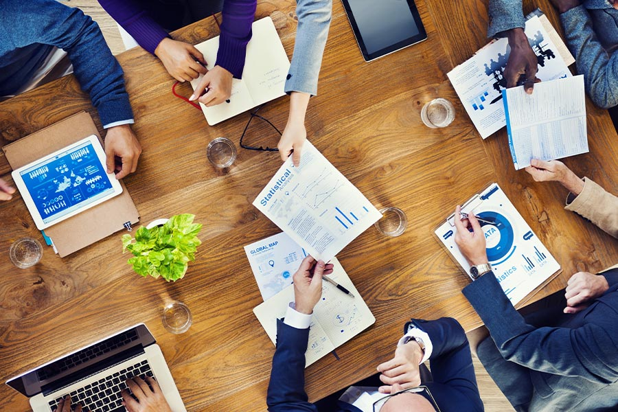 5 alternatives to yet another business meeting