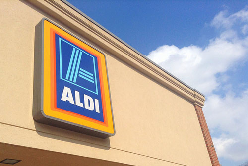 1,500 jobseekers queue outside Aldi to interview for 40 jobs