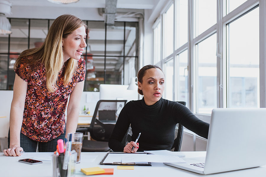 4 ways mentoring is invaluable to businesses