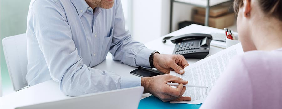Clarify employee contracts & avoid a nasty New Year surprise