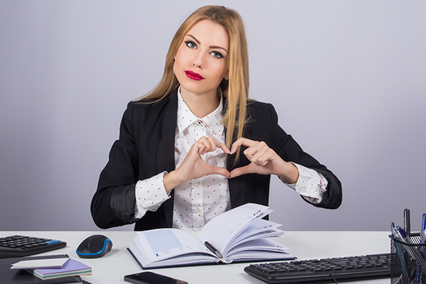HR encouraged to become love life managers