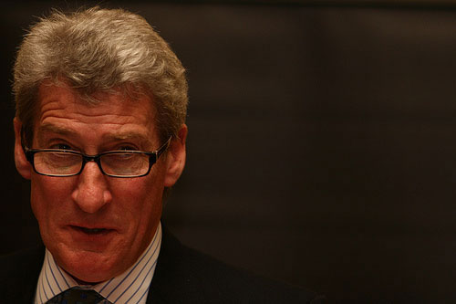 Paxman and other BBC stars receive 25% pay cuts
