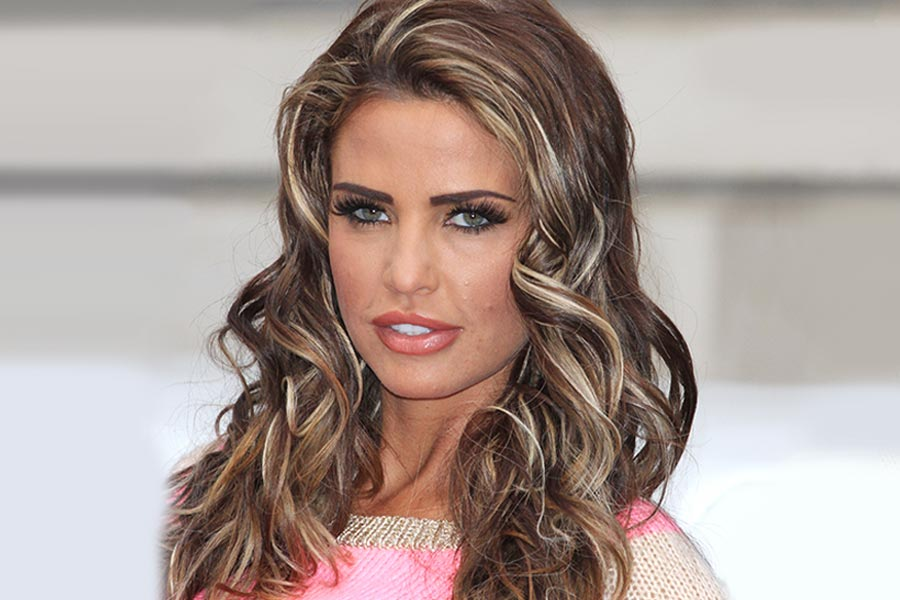 Katie Price attends Christmas party drunk - gets flooded with requests