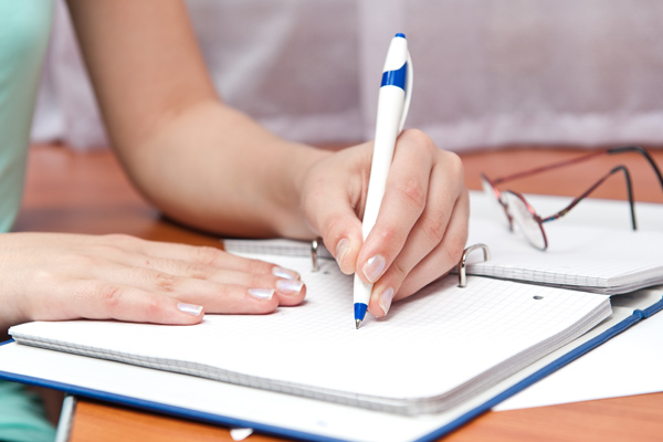 1 in 5 left-handers face problems at work