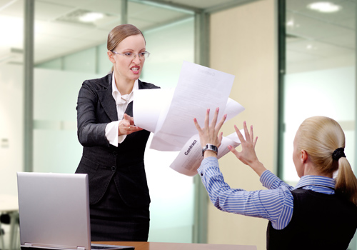 Middle managers copy bosses' bad behaviour
