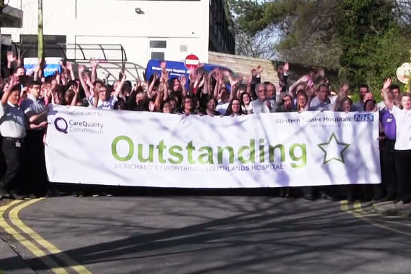 VIDEO: 'Walking on Sunshine' singer pays tribute to NHS staff