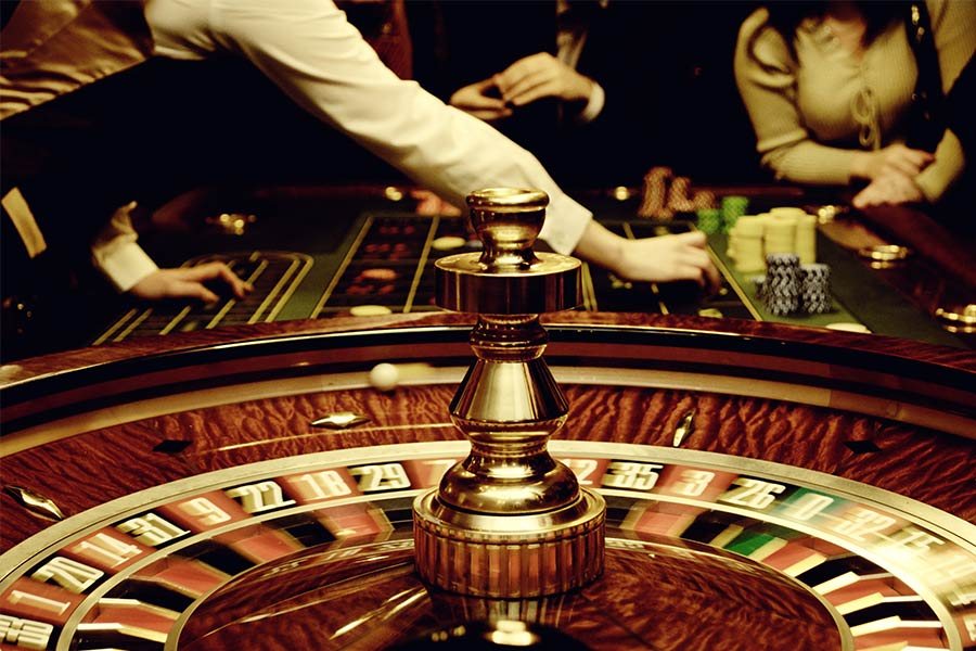 Recruiter confesses to taking thousands from workers & gambling it