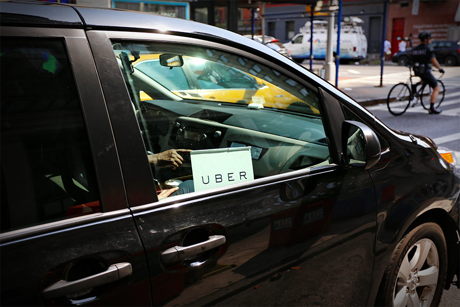 Uber offers drivers new perks