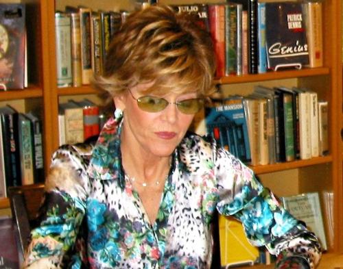 Jane Fonda calls for action on director gender discrimination