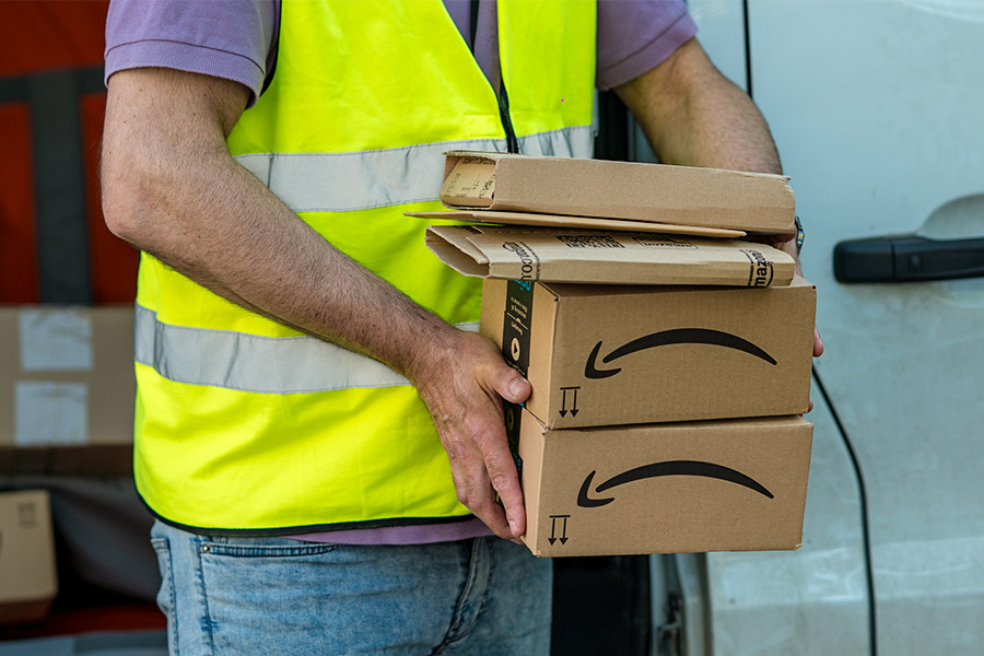Amazon workers on minimum wage to get pay hike
