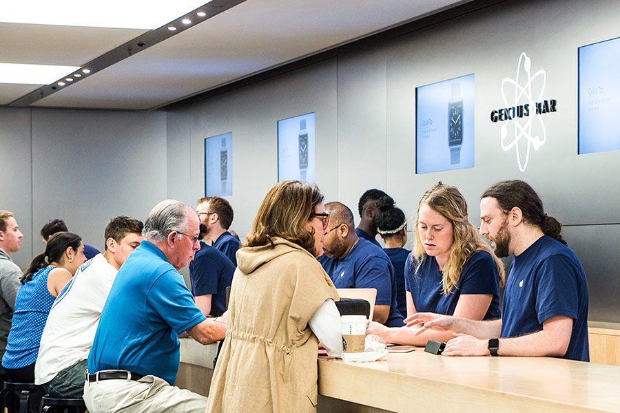 Apple sacks employee after x-rated text fiasco