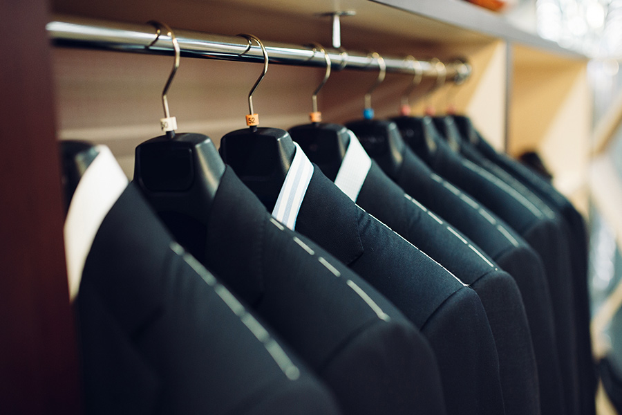 What colour clothing should your candidates wear to interviews?