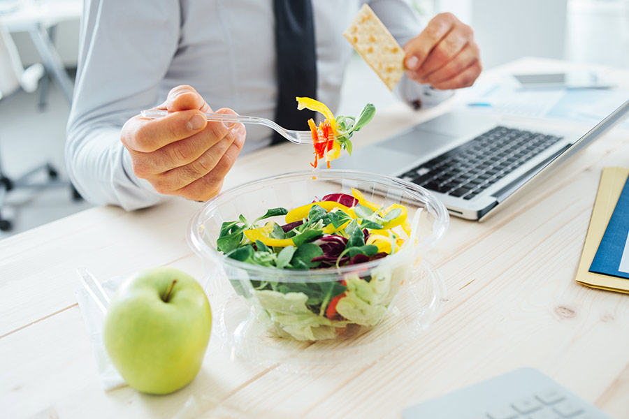 What do your lunch habits reveal about your work style?