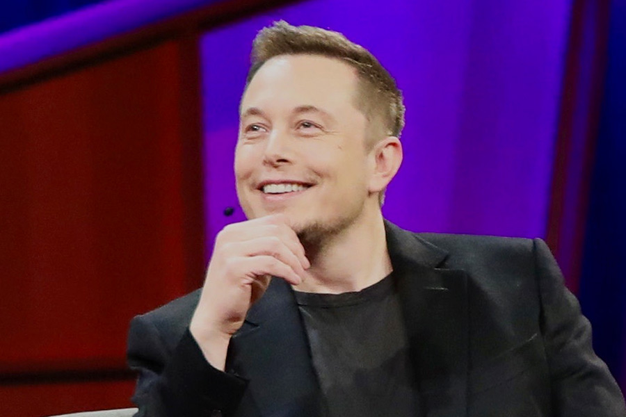 SpaceX employee reveals what life under 'trippy boss' Elon Musk is like