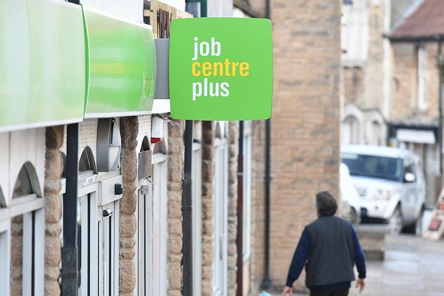 Gov report reveals hardships of Britain's ethnic jobseekers