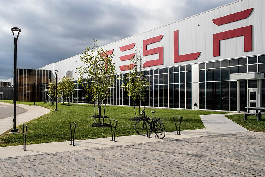 Ex-Tesla employee claims she was fired for taking maternity leave