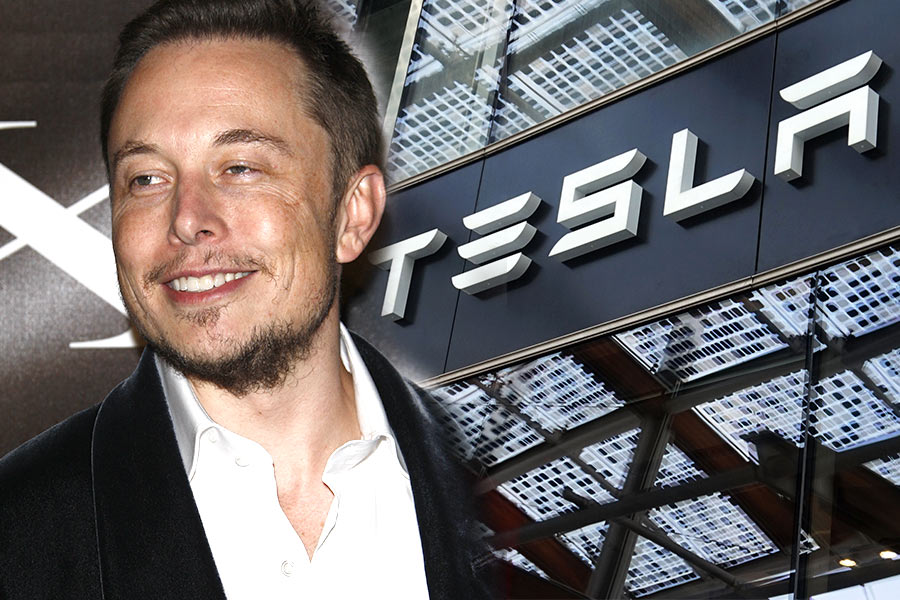 "Tesla's leader warned to ""step aside"" to avoid ""crisis"""