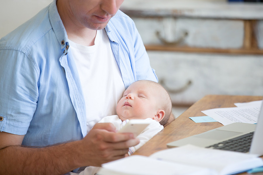 Self-employed fathers missing out on paternity leave