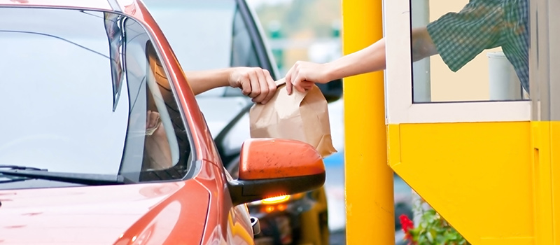 McDonald's employee goes BEYOND duty & saves customer's life