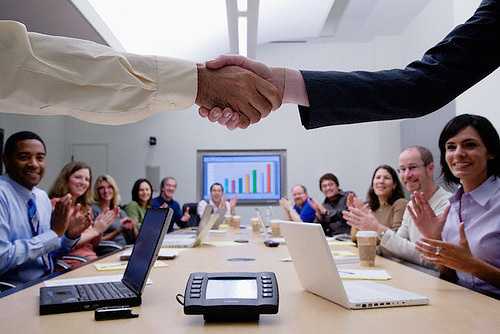 Management experts help recruiters deal with change
