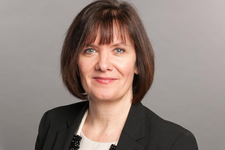Behind the HRD with Vicky Walis, HR Director at Santander