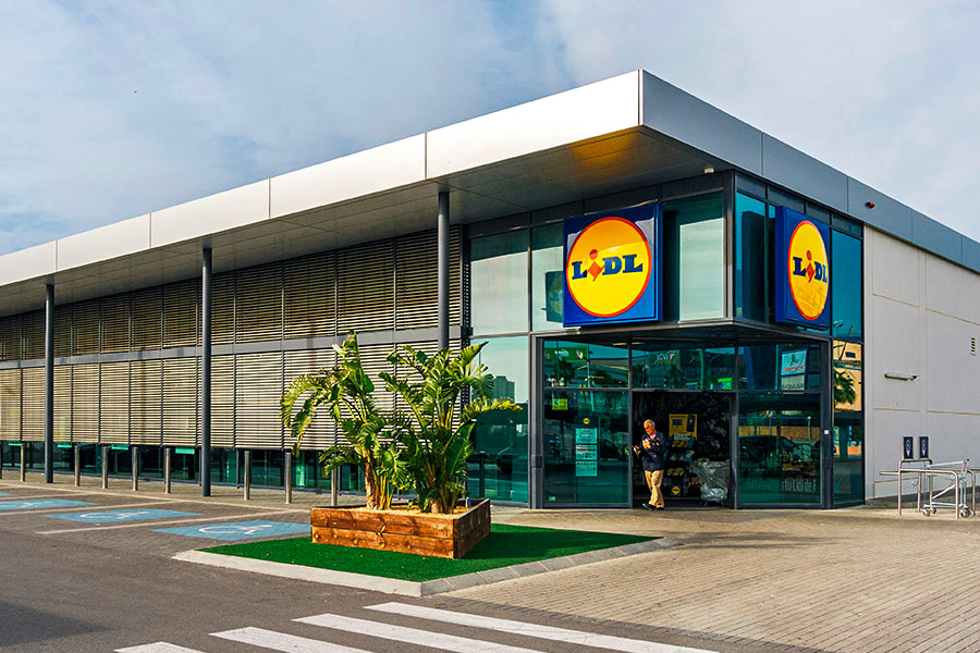 Lidl gives UK staff 'thank you payment'