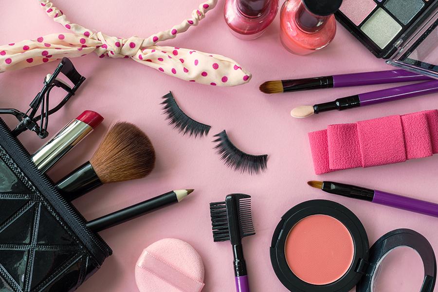 L'Oréal fires transgender model following race comments
