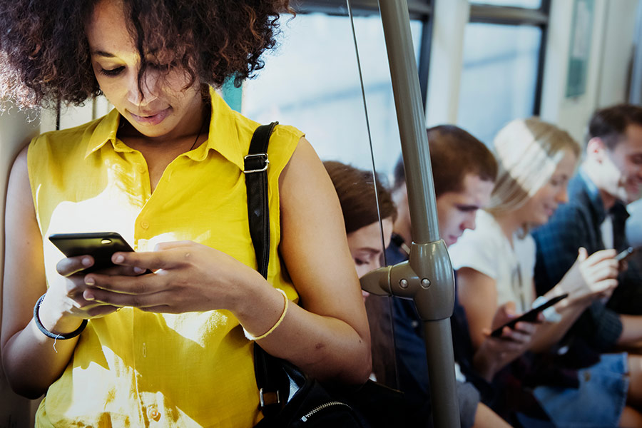 Do smartphones at work do more harm or good?