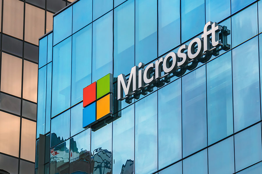 Microsoft readies free AI courses for professionals
