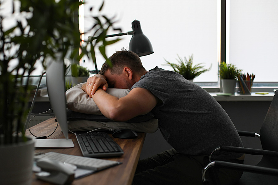 Can HR allow staff to nap at work?