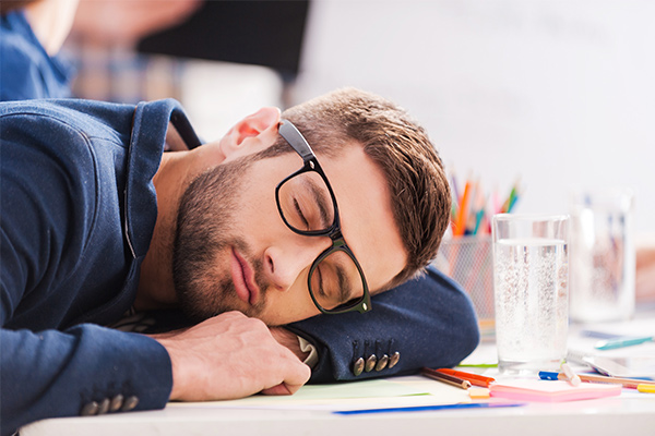 6% of UK workers take naps in meetings