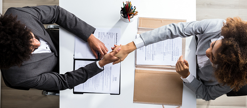 Can candidates ask to see their boss' CV?