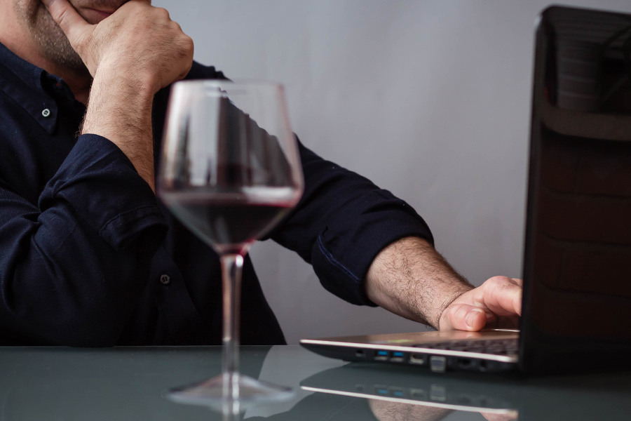 How to help staff with pandemic-related problem drinking