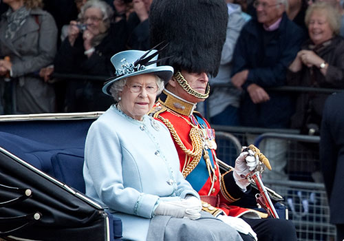 Government to review Queen's income