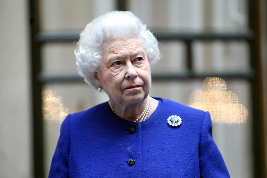 Queen fuels 'jealousy' between royal staff