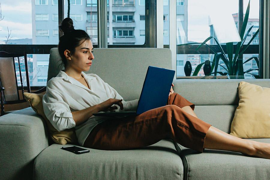 Job ads for WFH vacancies drop by a QUARTER