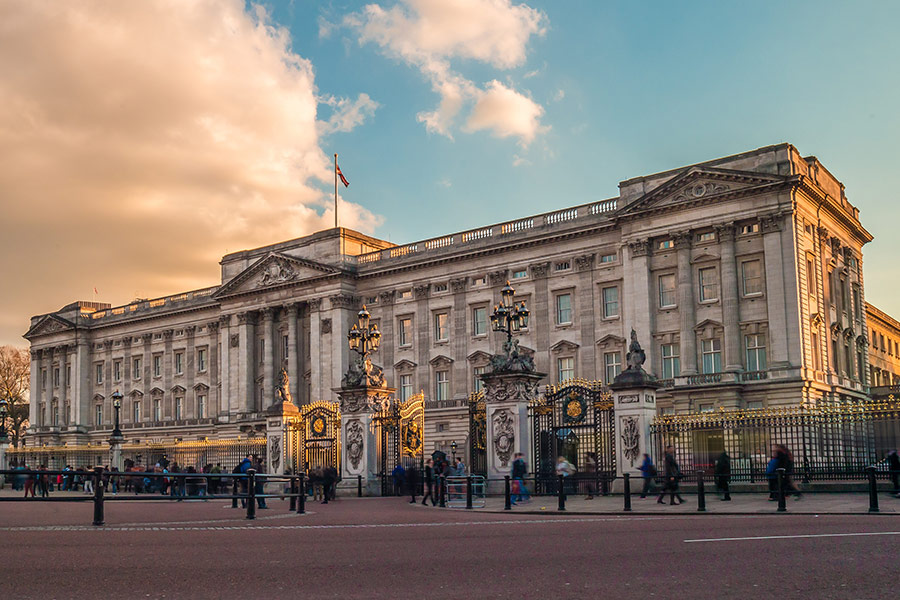 Royal family to 'consider appointing D&I chief'