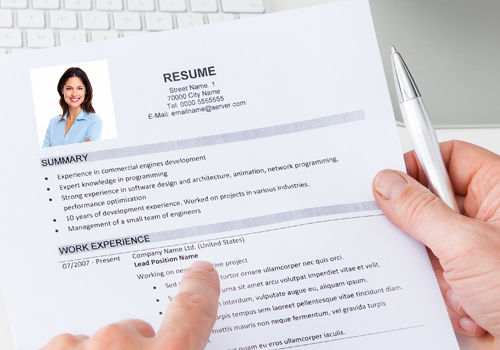 attractive women should not include photo on cv