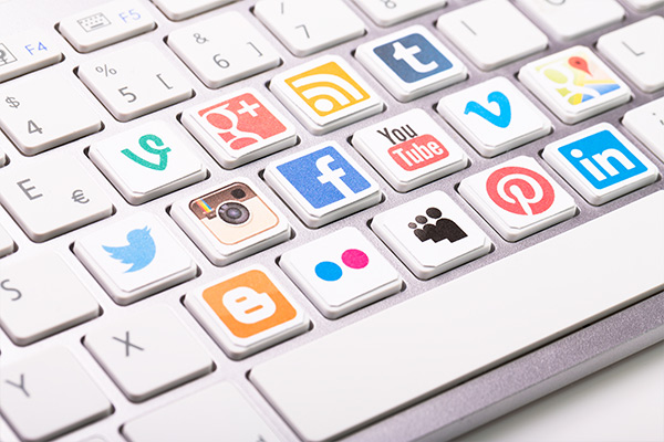 How to recruit top talent using social media