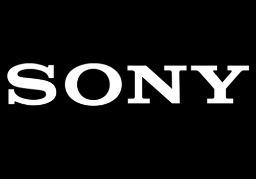 Sony chief takes 50% pay cut