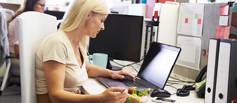 UK lunch break plummets to just over twenty mins