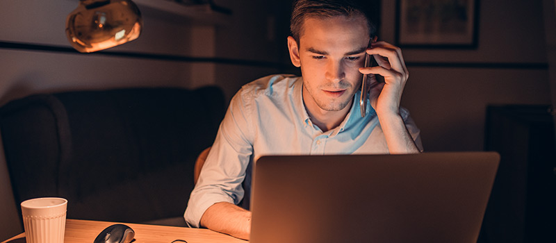 4 in 10 employees can't leave work alone