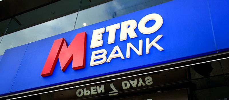 Bank Founder sees off shareholder revolt