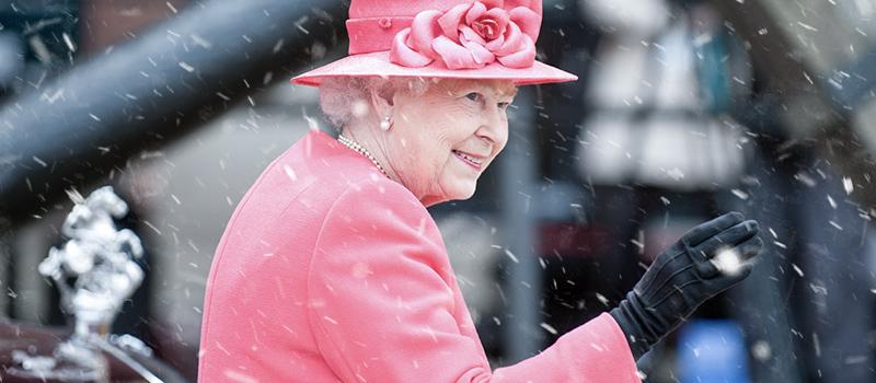 Queen faces backlash in Xmas worker row