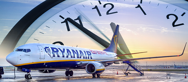 Ryanair accused of not paying staff for all hours worked