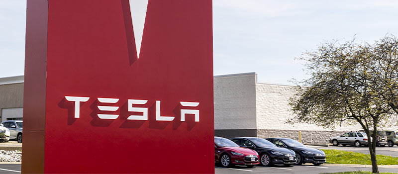 Tesla slammed for firing 400 employees at once