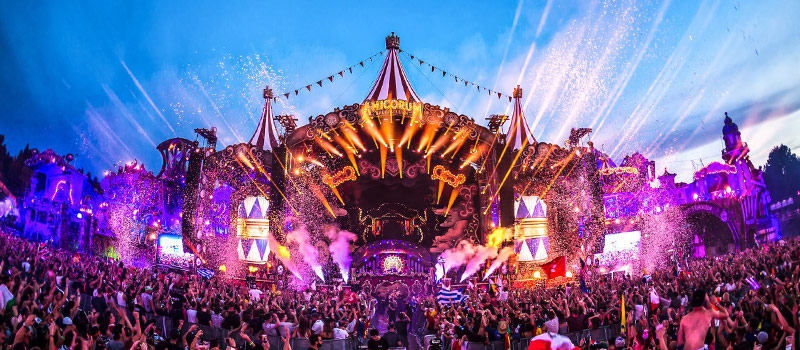 Festival workers allegedly sold drugs