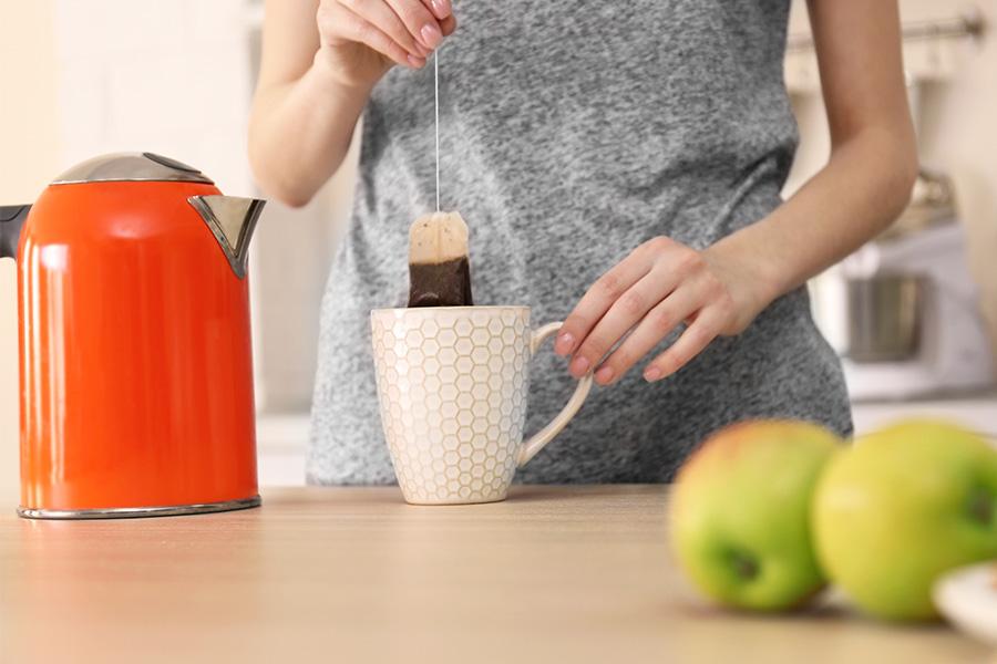 Why women shouldn't make tea at work