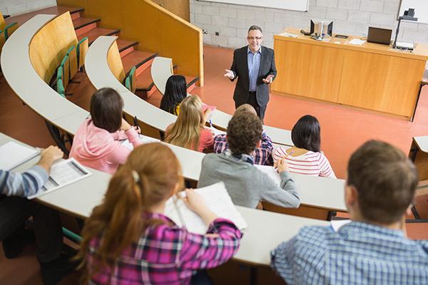 Employers struggle to hire school leavers as teachers focus on university studies