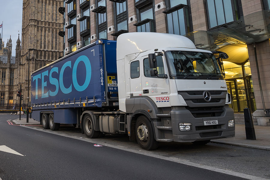 Firm offers lorry drivers joining bonus amid staff shortages